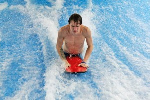 Александр-Абрамов-инструктор-по-серфингу